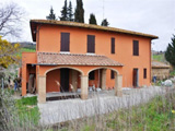 Detached farmhouse in Tuscany for sale