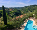Luxury hilltop villa in Italy for sale