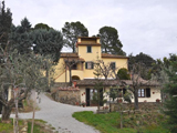 6-bedroom farmhouse in Cortona for sale