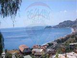 Real estate 700m from beach
